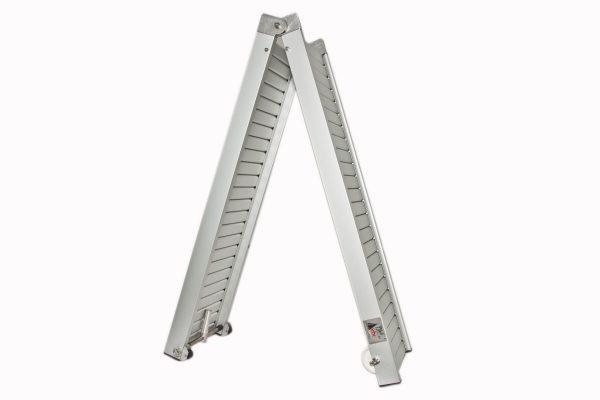 passerella pieghevole in alluminio con camminamento antiscivolo