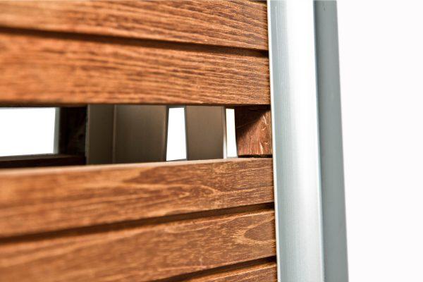 dettaglio di passerella pieghevole con legno iroko